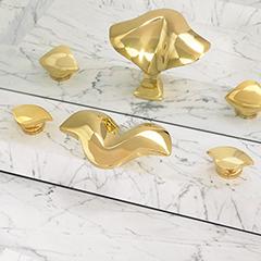 Aurora Lavatory Faucet w/ Aurora Handles